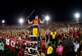 Roundup: USC shakes up Pac-12 race with win over Utah