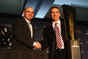 Mark Helfrich, Urban Meyer address media before 2015 CFP National Championship