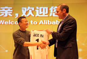Pac-12 Commissioner Larry Scott meets with Alibaba Group Executive Chairman Jack Ma