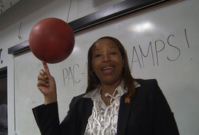Video: USC players present Cynthia Cooper with game ball