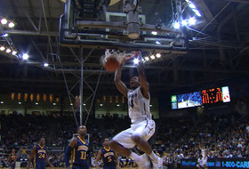 Three impressive passes lead to a dunk for Colorado against Drexel