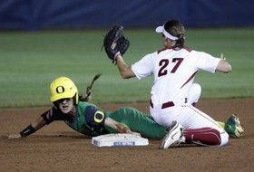 Women's College World Series: Oregon moves on to semifinals