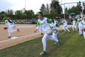 Roundup: Oregon headlines softball super regionals this weekend