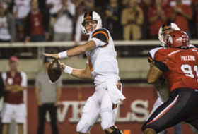 <p>Oregon State's quarterback Sean Mannion against Utah on September 14, 2013</p>