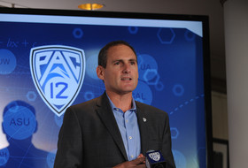 Pac-12 Commissioner Larry Scott calls for change to NCAA model