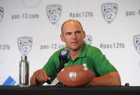 Roundup: Mark Helfrich out at Oregon