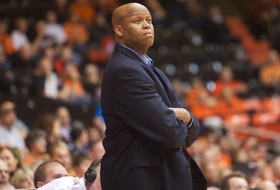 Roundup: Craig Robinson out at Oregon State