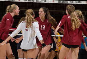 2017 NCAA Volleyball Championship: Five Pac-12 teams advance to third round