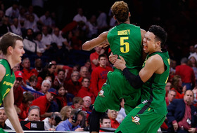 Roundup: 'Passing of the torch' victory for Oregon?