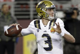 Roundup: Josh Rosen growing into leadership role as UCLA's QB