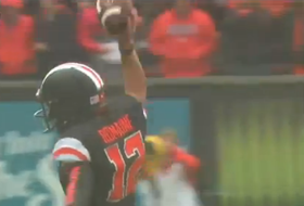 Oregon State kicker recovers fumble in rare moment