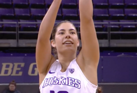 Highlight: Washington's Kelsey Plum becomes Pac-12 all-time leading scorer
