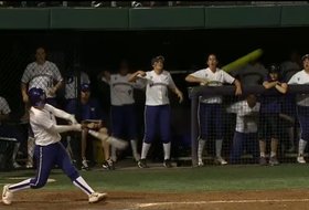 Shawna Wright walk-off home run delivers dramatic win for UW