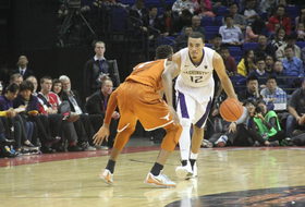 Washington men's basketball tops Texas in 2015 Pac-12 China Game