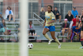 Women's soccer coaches pick UCLA as 2014 preseason favorite