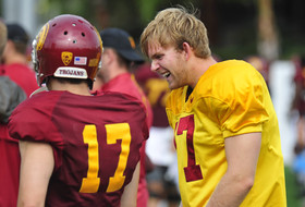 Roundup: Blind long snapper practices with USC