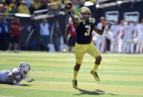 Vernon Adams leads Oregon to win over former team