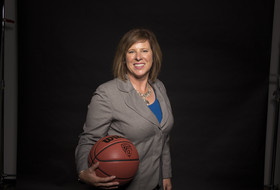 UCLA women's basketball jumps back into Pac-12 race with No. 1 recruiting class