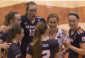 Volleyball finishes first half of Pac-12 play