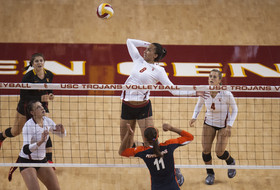 USC last of unbeaten volleyball teams in country