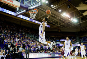 Washington men's basketball rejuvenated by talented youngsters