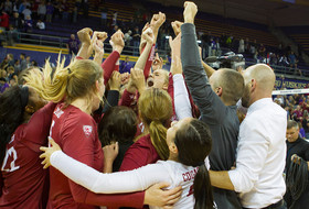 Roundup: Washington State volleyball gets first win in Seattle since 2001