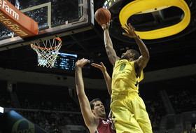Oregon's Moser voted Pac-12 men's basketball Player of the Week