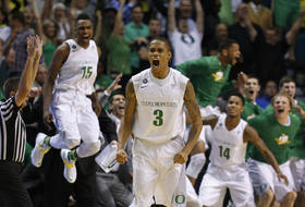 Pac-12 Tournament: Joseph Young's three-point bomb sends Oregon into final