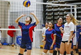 Pac-12 All-Star Volleyball Team gives youth clinic in Shanghai