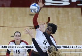 Highlights: Stanford women's volleyball sweeps Minnesota, advances to NCAA regional final