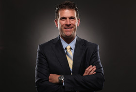 It's all in the family for UCLA's Steve Alford