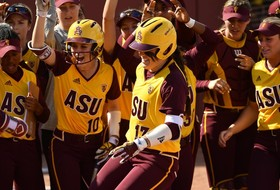 Nation-leading Pac-12 softball teams matchup in Conference play