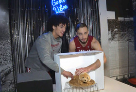 Student-athletes play 'What's in the Box?' at 2019 Pac-12 Men's Basketball Media Day