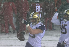 Washington's Ben Burr-Kirven reflects on garnering Pac-12 Football Scholar-Athlete of the Year honors