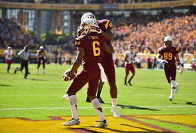 ASU receiver Cameron Smith makes a ridiculous diving touchdown catch