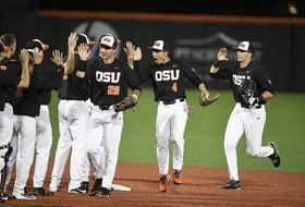 Highlights: Oregon State baseball's offense explodes, stays undefeated in regional with win over LSU