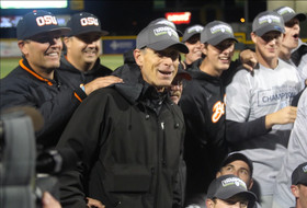 Oregon State's reliable Pat Casey has Beavers firing on all cylinders, eying Omaha berth