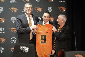 Roundup: Oregon State gets its man in Jonathan Smith