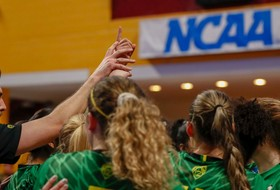NCAA Women's Volleyball Tournament: Stanford advances to Final Four, Oregon exits in quarterfinals