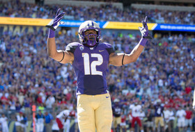 Dwayne Washington carries Washington to big victory in Apple Cup