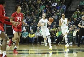 Recap: Sabrina Ionescu's 16th career triple-double lifts No. 5 Oregon women's basketball to a comfortable victory over Arizona