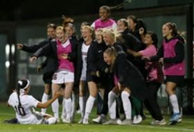 Washington, LA schools chasing Stanford in Pac-12 women's soccer race