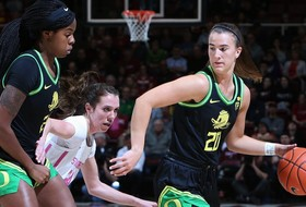 Highlights: Sabrina Ionescu becomes first member of the 1,000 rebound, 1,000 assist, 2,000 point club as No. 3 Oregon women's basketball clinches share of Pac-12 regular season title