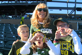 Oregon fans show pride at pep rally