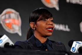 Roundup: USC alum Tina Thompson named Virginia head coach