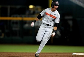 Oregon State clubhouse relives Trevor Larnach's game-winning College World Series home run
