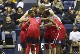 Pac-12 men's basketball favorites grab early league lead