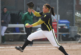 Oregon's Peterson and Rumfelt Named Pac-10 Softball Players of the Week