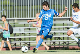 UCLA's Hollingshead named Pac-12 men's soccer player of the week