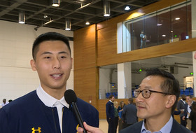 2018 Pac-12 China Game: Cal's James Zhao, Alibaba's Joe Tsai talk about using sports to learn about cultures, business